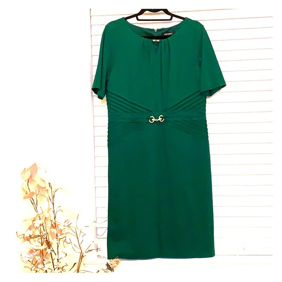 Ellen Tracy Dresses & Skirts - Emerald Green Half Sleeve Sheath